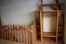Treppenaufgang und Regal